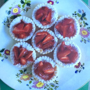 Strawberry tarts AtMyFrenchTable