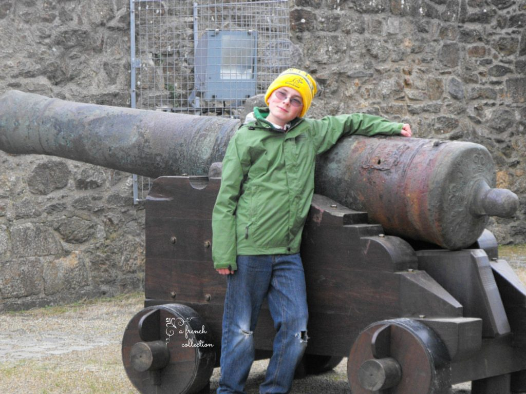 Cannon at Chateau de Brest