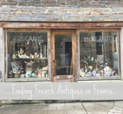 brocante shop with text